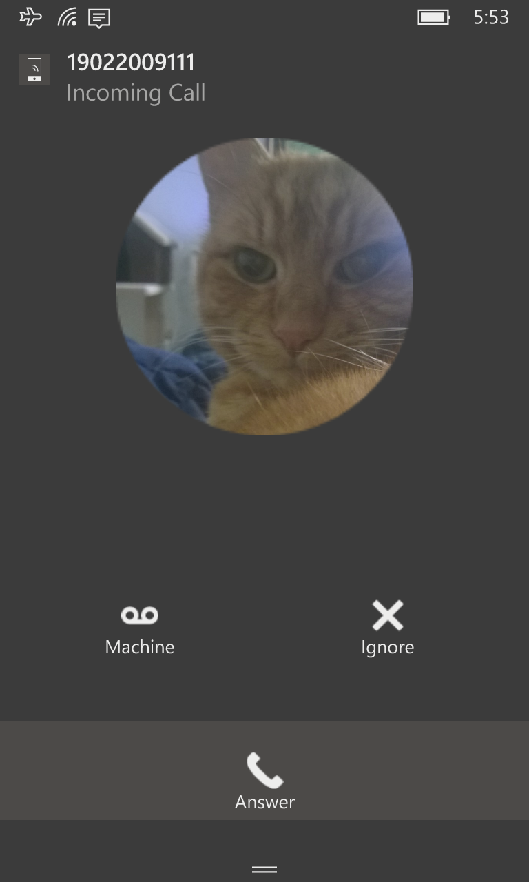 A SichboPhone incoming call notification on Windows 10 Mobile.